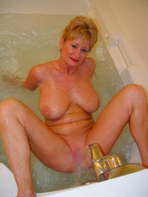 【画像25枚】家族に見られたら恥ずかしい風呂場での変態行為wwwwwwwwwwwwwwwww・2枚目