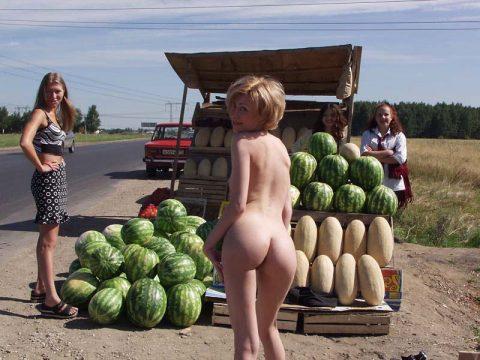 【幸運】海外でたまに出くわすという裸族の美女たちwwwwwwwwwwwwww(画像27枚)・13枚目