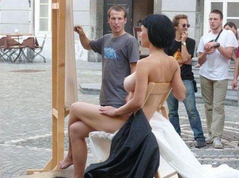 【幸運】海外でたまに出くわすという裸族の美女たちwwwwwwwwwwwwww(画像27枚)・15枚目