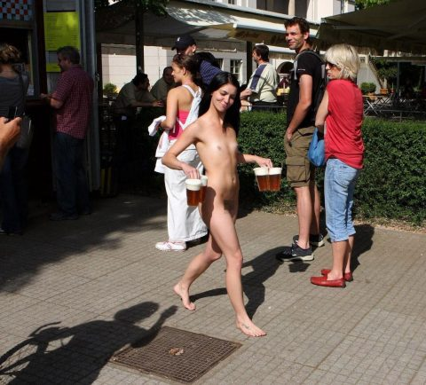 【幸運】海外でたまに出くわすという裸族の美女たちwwwwwwwwwwwwww(画像27枚)・27枚目
