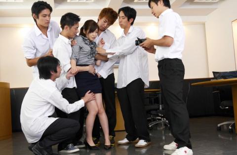 【画像20枚】美人女教師が授業中の男子生徒の脳内wwwwwwwwwwwwww・2枚目