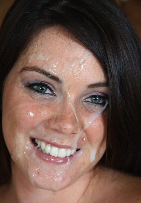 【顔射】ザーメンで洗顔できるくらい大量にブッカケられてる画像しか認めないスレ(26枚)・15枚目
