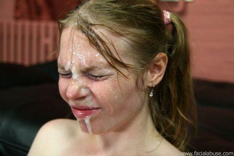 【顔射】ザーメンで洗顔できるくらい大量にブッカケられてる画像しか認めないスレ(26枚)・17枚目