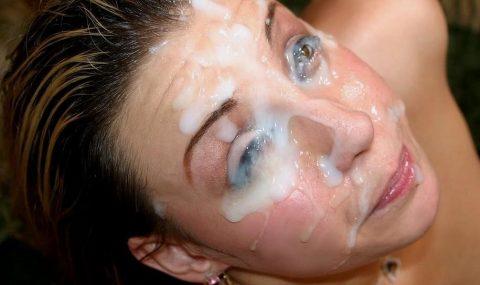 【顔射】ザーメンで洗顔できるくらい大量にブッカケられてる画像しか認めないスレ(26枚)・18枚目