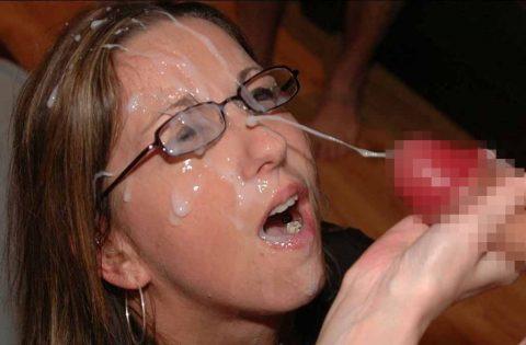 【顔射】ザーメンで洗顔できるくらい大量にブッカケられてる画像しか認めないスレ(26枚)・22枚目