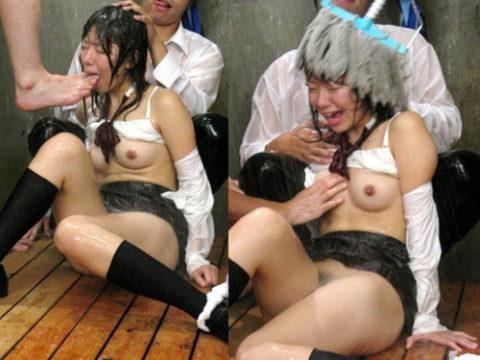 【ドン引き】女同士の集団性的イジメやりすぎだろ・・・(画像30枚)・1枚目
