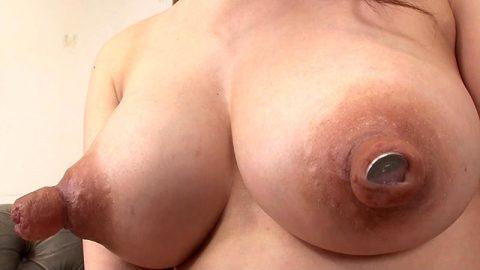 【実写版】ニプルファックができる女の乳首の大きさwwwwwwwwwwwwwwwww・3枚目