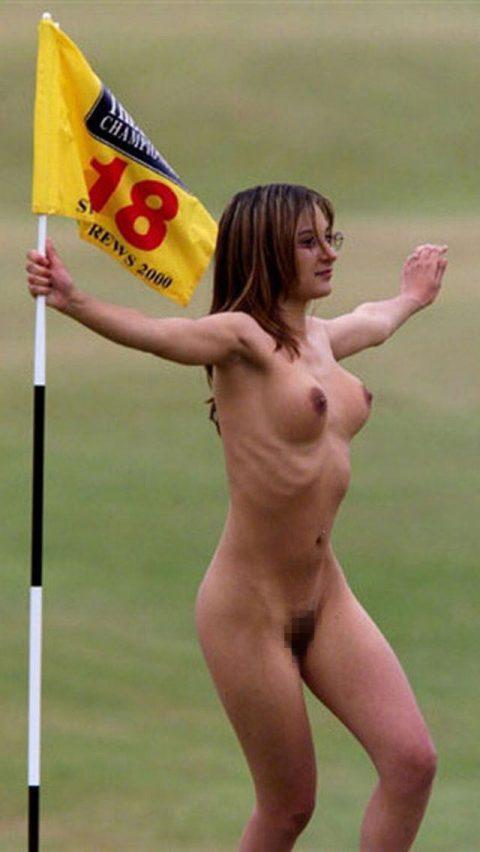 【画像26枚】試合中に乱入してくる女露出狂とかいう海外特有の風潮wwwwwwwwwwwww・20枚目
