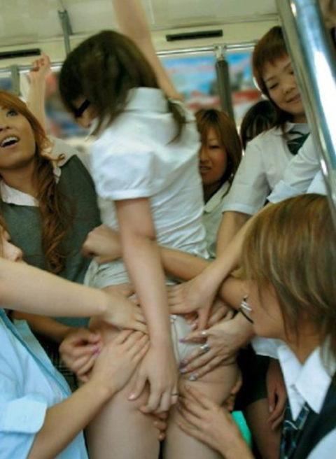 【ドン引き】女同士の集団性的イジメやりすぎだろ・・・(画像30枚)・27枚目