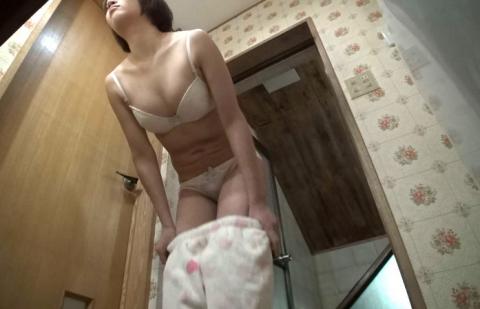 【盗撮】姉ちゃんの風呂上り隠し撮りしたったけど需要ある???(20枚)・14枚目