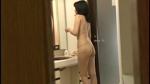 【盗撮】姉ちゃんの風呂上り隠し撮りしたったけど需要ある???(20枚)・15枚目
