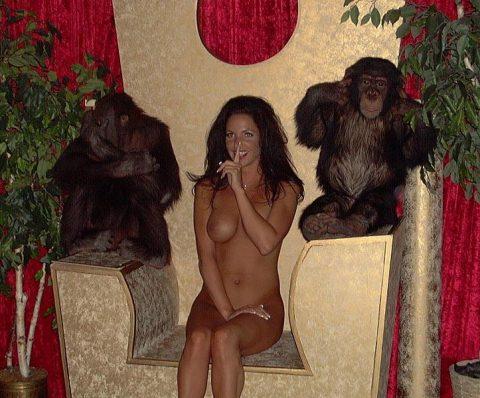 【ドン引き】猿と愛し合う女たち・・・(画像20枚)・17枚目