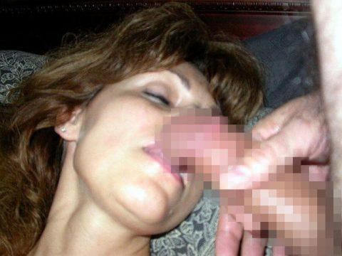 【画像23枚】寝てる女のお口にチンコ近づけた結果wwwwwwwwwwwwwwww・17枚目