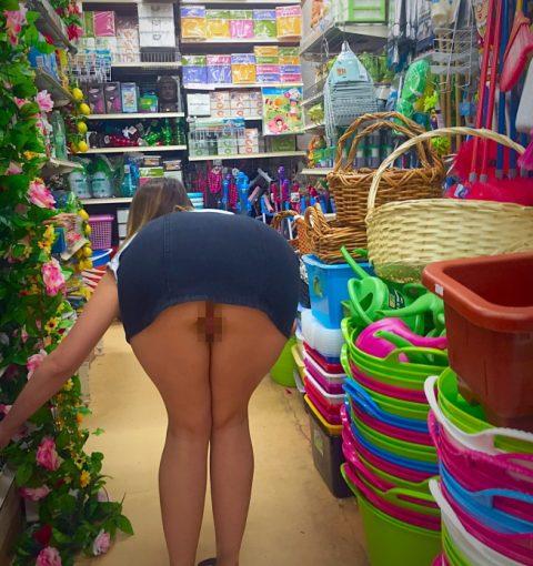 【画像28枚】プチ露出狂がショッピングモールで使う常套手段wwwwwwwwwwwwwwwww・21枚目