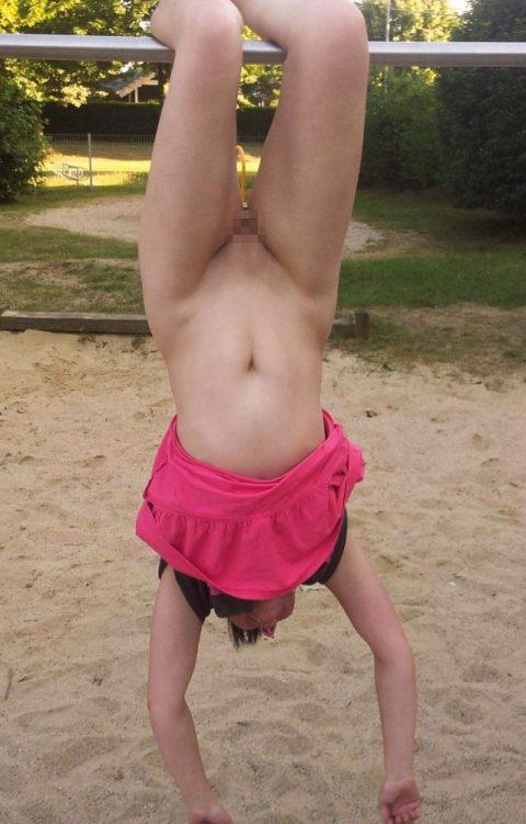 【通報不可避】公園で無邪気に遊ぶ・・・・・露出狂wwwwwwwwwwwwwwwww(画像24枚)・20枚目