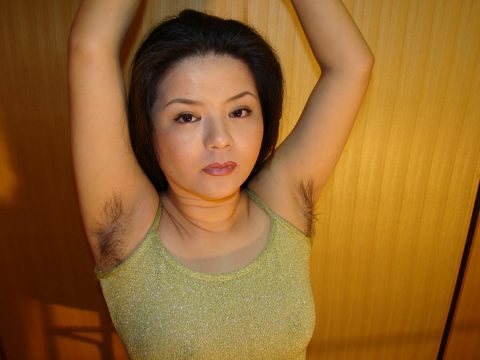 【画像21枚】女に腋毛がないと興奮しないって奴、ちょっとこいwwwwwwwwwwwww・5枚目