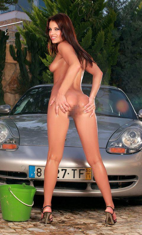 【画像25枚】男なら全裸の美女が似合う車に乗るべし!!!!!・2枚目