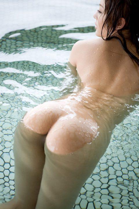 【画像25枚】彼女と家族風呂→一番やってほしいポーズがこれwwwwwwwwwwwww・4枚目
