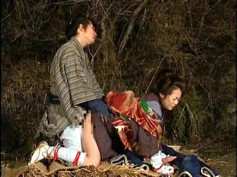 【画像】日本文化好きな外国人が一番喜びそうなレイプシーンがこちらwwwwwwwwww(26枚)・9枚目