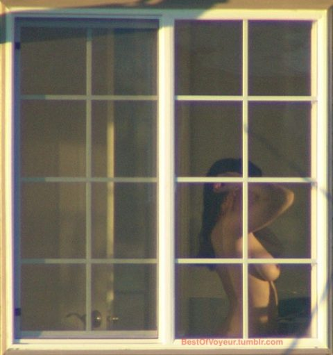 【盗撮】向かいの部屋のセックスが見えたときの興奮は異常wwwwwwwwwwwww(画像あり)・2枚目