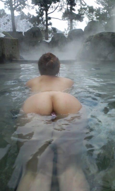 【画像25枚】彼女と家族風呂→一番やってほしいポーズがこれwwwwwwwwwwwww・21枚目