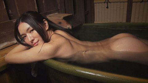 【画像25枚】彼女と家族風呂→一番やってほしいポーズがこれwwwwwwwwwwwww・22枚目