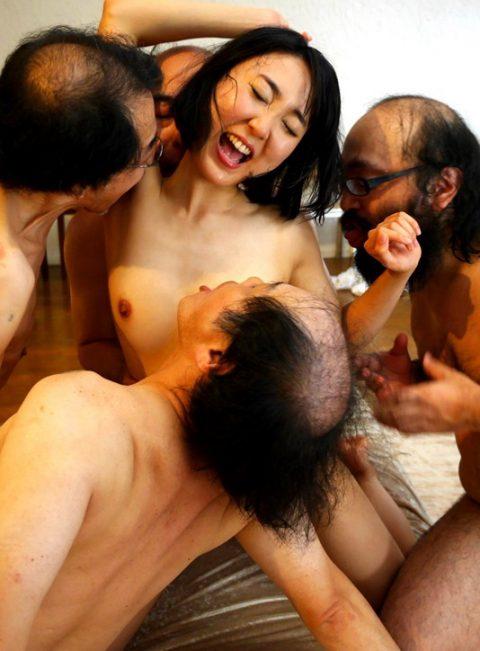 仕事とはいえキモオヤジとここまで絡める女優の皆さんに脱帽!!!!!(画像26枚)・2枚目