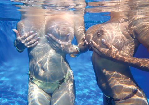 【神秘的】巨乳を水中で撮ったらこうなるwwwwwwwwwwww(画像23枚)・12枚目