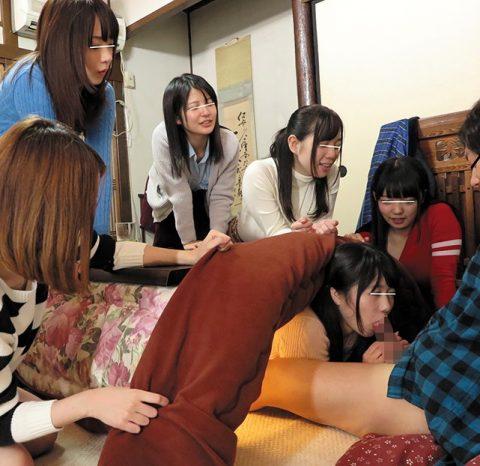 【画像24枚】コタツフェラとかいう冬の日本のカップル風物詩wwwwwwwwwwwwww・23枚目