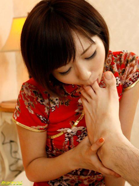【足舐め女】自ら舐められたらフェラチオより興奮するんだがwwwwwwwwwwww(画像28枚)・9枚目