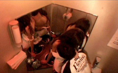 【有能】トイレで性接待するキャバ嬢たち・・・(画像27枚)・22枚目