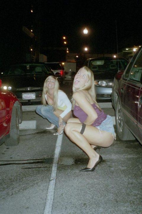 野ションが見つかった酔っ払い女子の表情→大体笑顔wwwwwwwwwwwww(画像25枚)・23枚目