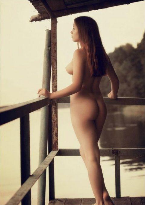 【露出狂】全裸でバルコニーに出たがる女wwwwwwwwwwww(29枚)・4枚目