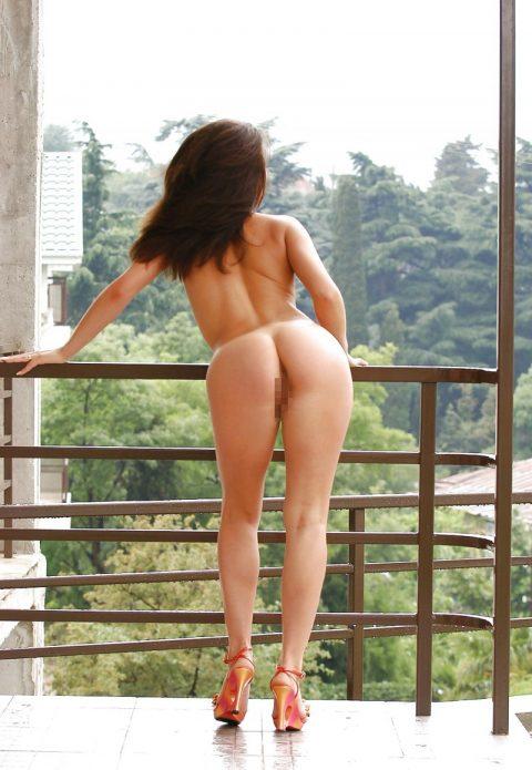 【露出狂】全裸でバルコニーに出たがる女wwwwwwwwwwww(29枚)・13枚目