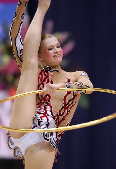 【ガン見】女子(新)体操の一時停止ポイントがこちらwwwwwwwwwwwwww(画像27枚)・2枚目