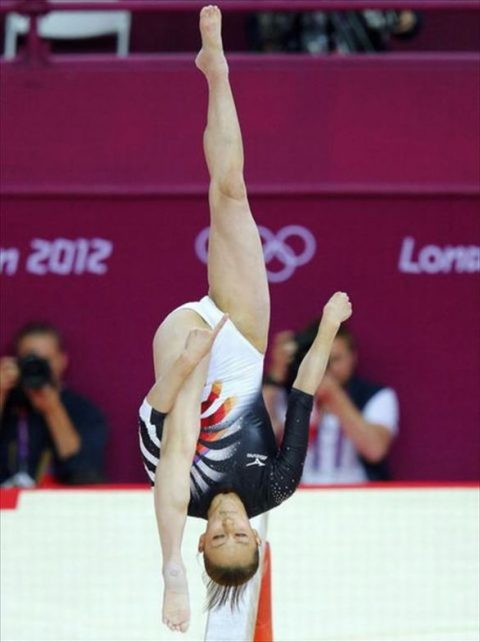 【ガン見】女子(新)体操の一時停止ポイントがこちらwwwwwwwwwwwwww(画像27枚)・22枚目