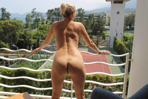 【露出狂】全裸でバルコニーに出たがる女wwwwwwwwwwww(29枚)・25枚目