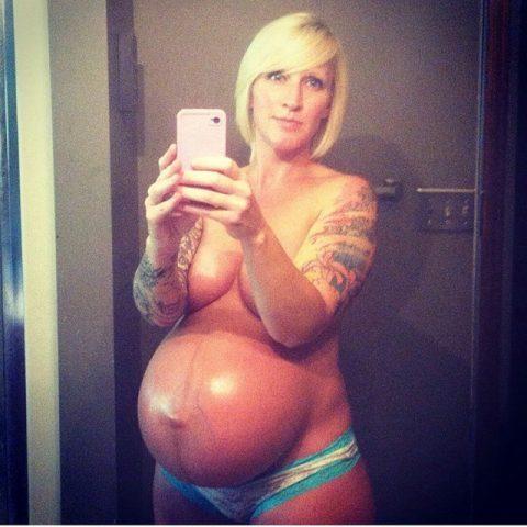 【画像26枚】妊婦が全裸自撮りするのは分かるけどなんでうpしちゃうの???・25枚目