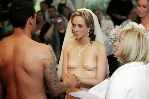 【素人】神父「では、誓いの口づけをマンコに…」、ハメ外し過ぎな花嫁画像集(25枚)・4枚目