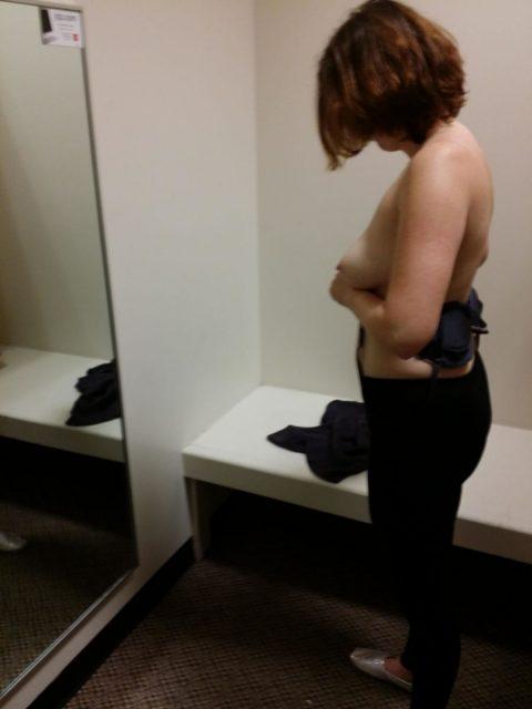 【盗撮】男なら一度はみてみたい試着室という名のパラダイス(22枚)・11枚目