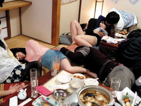 女は酔わせてハメるに限る!!!酒の席でハメられてる女たちの画像集(25枚)・1枚目