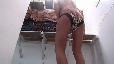 【盗撮】海の家で着替える女子は気を付けないといけない。。。(画像26枚)・3枚目