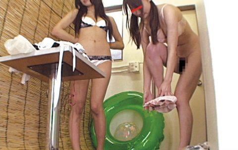 【盗撮】海の家で着替える女子は気を付けないといけない。。。(画像26枚)・11枚目