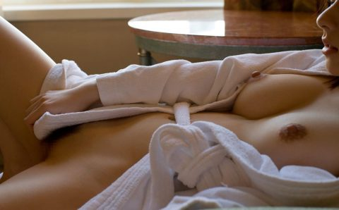 """バスローブって""""お風呂~セックス""""の間に着るために作られたんだよな???(画像25枚)・4枚目"""