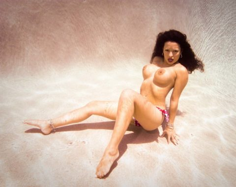 【水中ヌード】水の中で裸を撮ったらアートになるという不思議wwwwwwwwwwwwwww(画像31枚)・5枚目