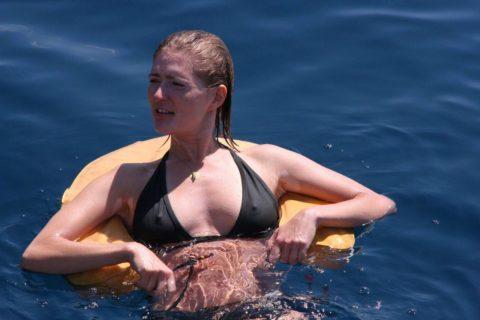【ポッチ注意】ビーチで「完全に挑発してるなw」って女がこちらwwwwwwwwwwwww(24枚)・11枚目