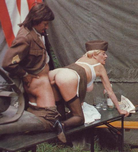 【画像24枚】女性兵士のもう一つの仕事がこちらwwwwwwwwwwwwww・11枚目