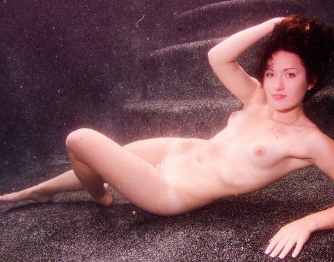 【水中ヌード】水の中で裸を撮ったらアートになるという不思議wwwwwwwwwwwwwww(画像31枚)・14枚目