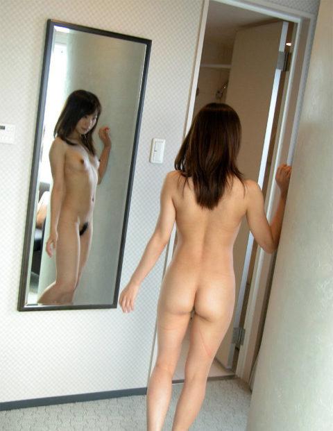 【それで?】鏡越しに女体を堪能してみるエロ画像集(30枚)・14枚目