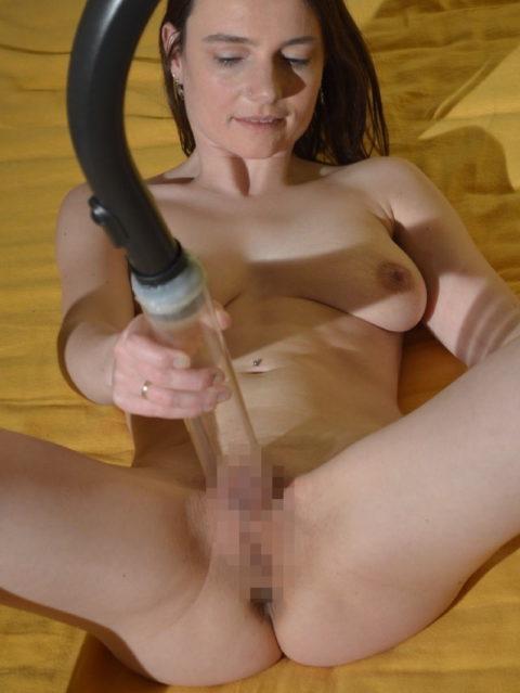 【掃除機】海外女子のオナニー、荒っぽすぎてワロタwwwwwwwwwwwww(画像29枚)・20枚目